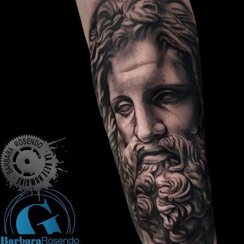 salon-tatouage-paris-bete-humaine-tattoo-statue