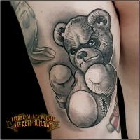 pierre-gilles-romieu-tatoueur-paris-tatouage-nounours-ourson-teddy-bear
