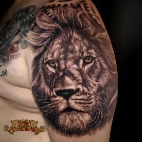 14-moka-tatoueur-paris-realiste-style-realisme-tatouage-tattoo-lion-realiste