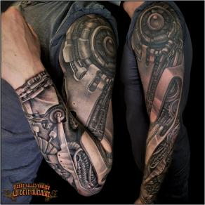 meilleur-tatoueur-paris-pierre-gilles-romieu-tatouage-tattoo-bras-biomecanique