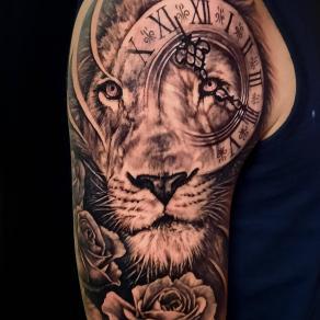 20-moka-tatoueur-paris-realiste-style-realisme-tatouage-tattoo-lion-temps
