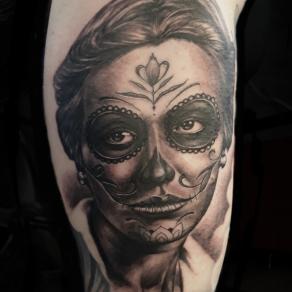 moka-tatoueur-paris-realiste-style-realisme-tatouage-tattoo-catrina-fleur