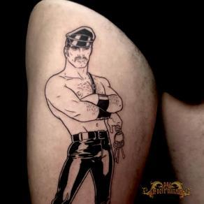 meilleur-tatoueur-paris-bro-tatouage-tattoo-cuir-tom-finland