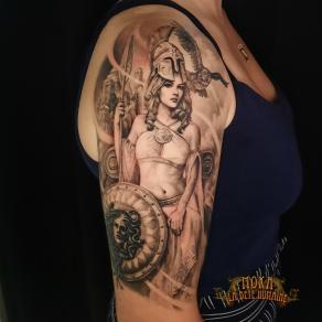 moka-tatoueur-paris-realiste-style-realisme-tatouage-tattoo-athena-meduse
