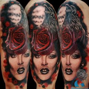 barbara-rosendo-realistic-tattoo-tatouage-realiste-couleur-color-montage-corbeau-rose-femme-crow-girl-animal