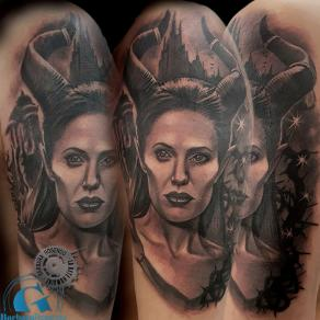 barbara-rosendo-realistic-tattoo-tatouage-realiste-noir-et-gris-black-and-grey-maleficient