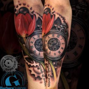 barbara-rosendo-realistic-tattoo-tatouage-realiste-colors-couleurs-montre-tulipe-watch-flower