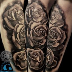 barbara-rosendo-realistic-tattoo-tatouage-realiste-noir-et-gris-black-and-grey-roses-flowers
