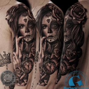 barbara-rosendo-realistic-tattoo-tatouage-realiste-noir-et-gris-black-and-grey-santa-muerte-roses-montre-watch