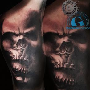 barbara-rosendo-realistic-tattoo-tatouage-realiste-noir-et-gris-black-and-grey-crane-skull