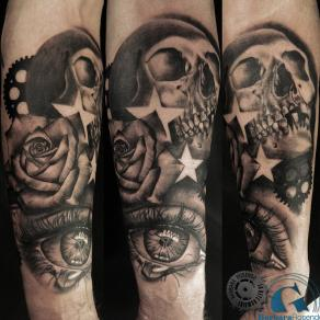barbara-rosendo-realistic-tattoo-tatouage-realiste-noir-et-gris-black-and-grey-crane-skull-oeil-eyes