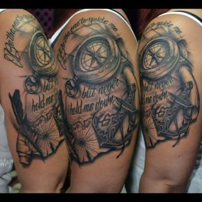 Moka_guest_tattoo_boussole_lettrage