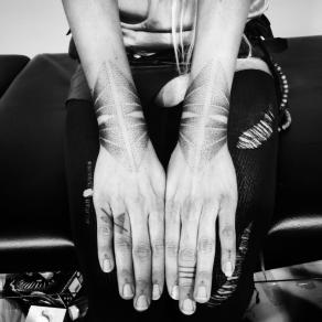lea-barrier-tatoueuse-studio-tatouage-paris-bete-humaine