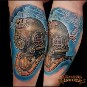 meilleur-tatoueur-paris-pierre-gilles-romieu-tatouage-mollet-scaphandre-tattoo