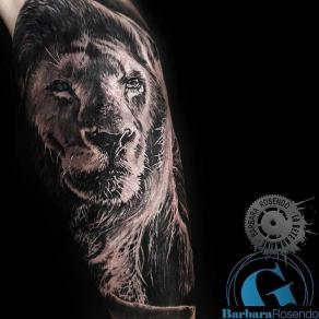 meilleure-tatoueuse-paris-barbara-rosendo-tatouage-lion-tattoo