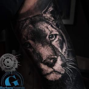 meilleure-tatoueuse-paris-barbara-rosendo-tatouage-lionceau-tattoo