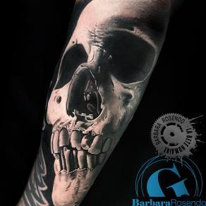 meilleure-tatoueuse-paris-barbara-rosendo-tatouage-skull-crane-tattoo