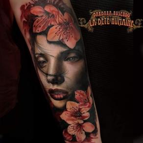 meilleure-tatoueuse-paris-barbara-rosendo-tatouage-tattoo-geisha-fleurs