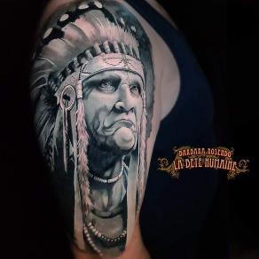 meilleure-tatoueuse-paris-barbara-rosendo-tatouage-tattoo-indien-plumes