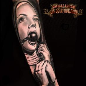 meilleure-tatoueuse-paris-barbara-rosendo-tatouage-tattoo-portrait-nonne