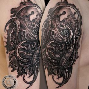 Pierre-Gilles Romieu_la_bete_humaine_tattoo_noir_gris_cthulhu