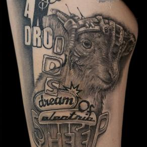 Pierre-Gilles Romieu_la_bete_humaine_paris_noir et gris proverbe electric sheep