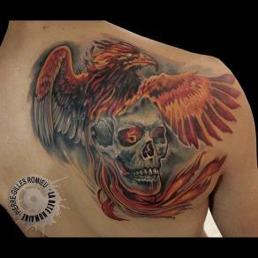 Pierre-Gilles Romieu_la_bete_humaine_tattoo_crane_phoenix_couleur_epaule
